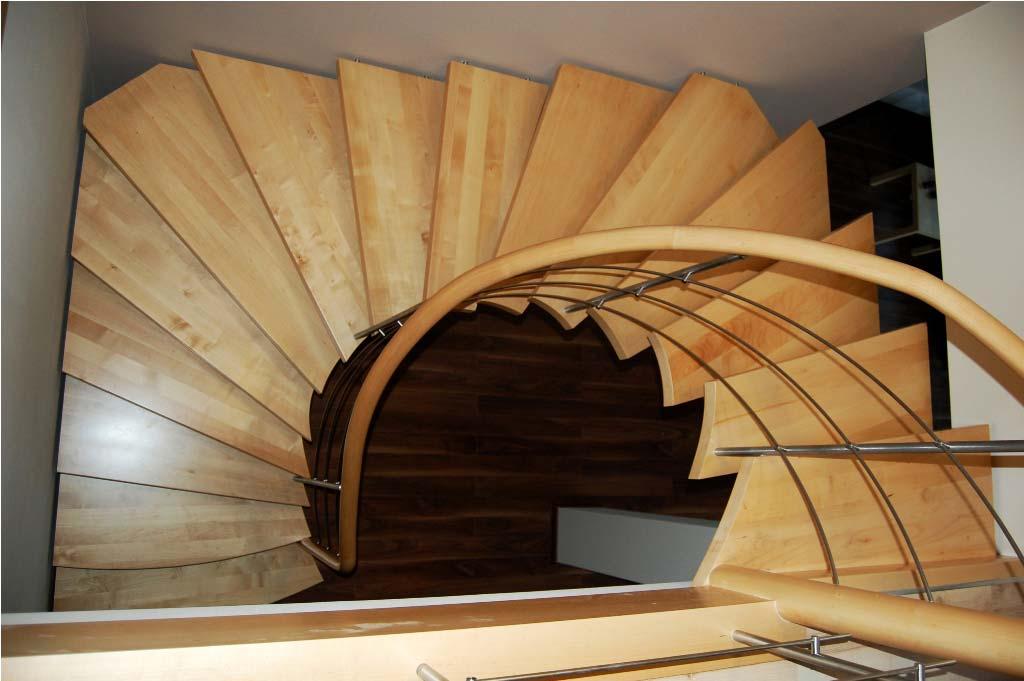 schody gięte drewniane 11