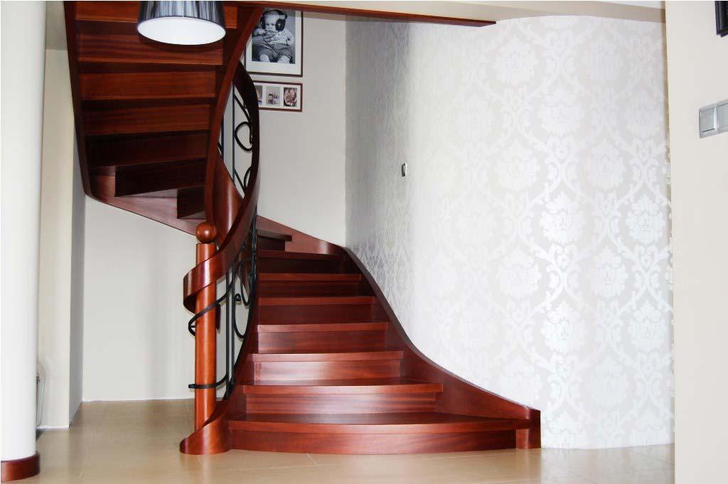 schody gięte drewniane 3