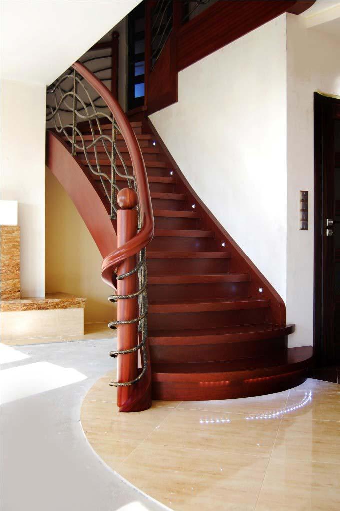 schody jednozabiegowe z drewna 6