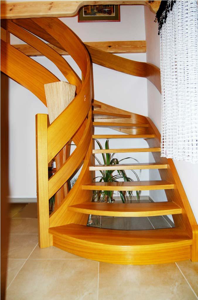 schody ażurowe na policzkach giętych