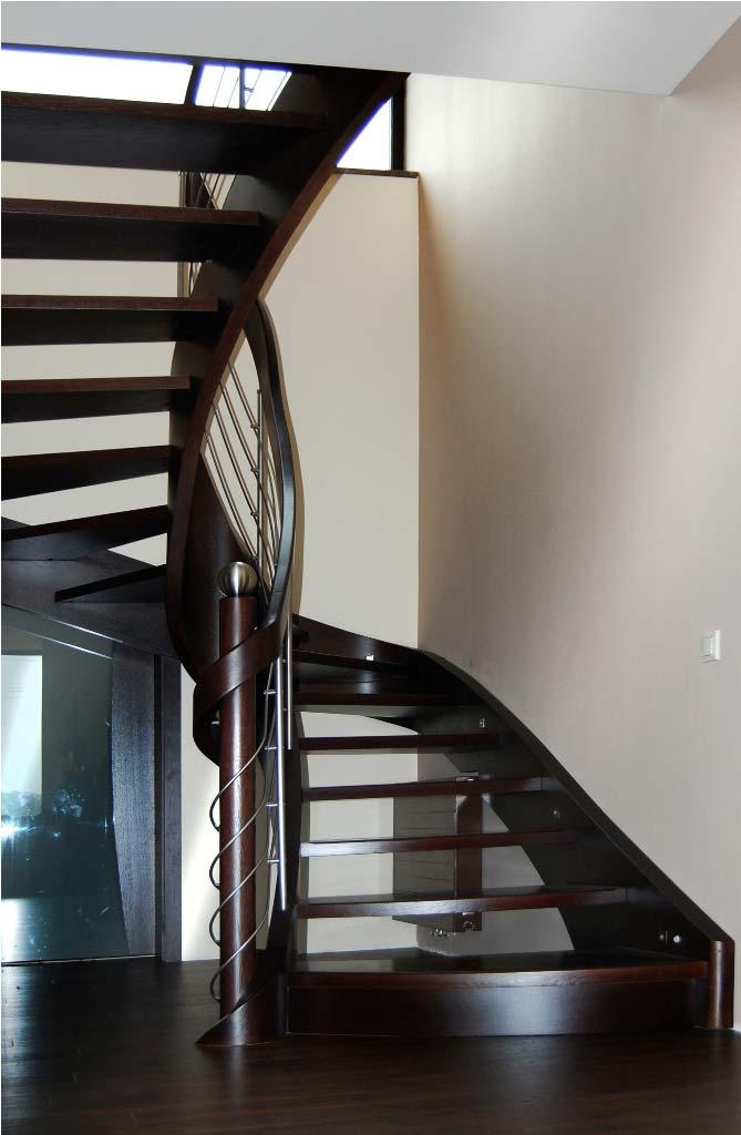 schody wewnętrzne 12