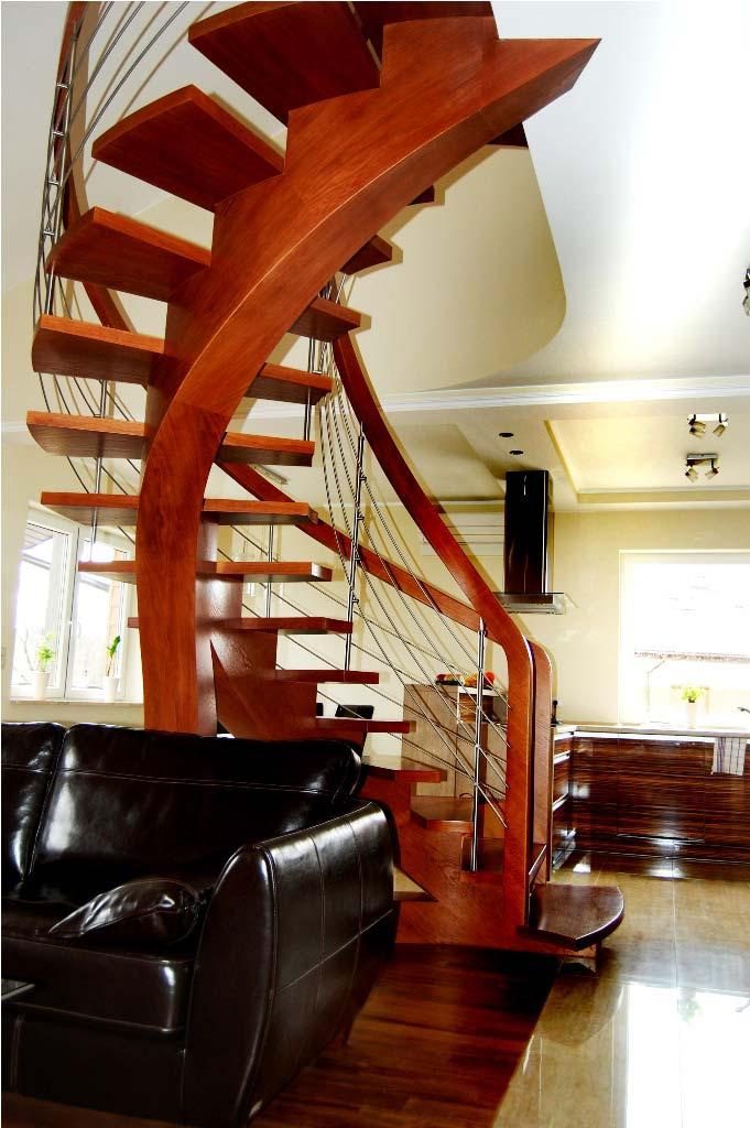 schody wewnętrzne drewniane 2