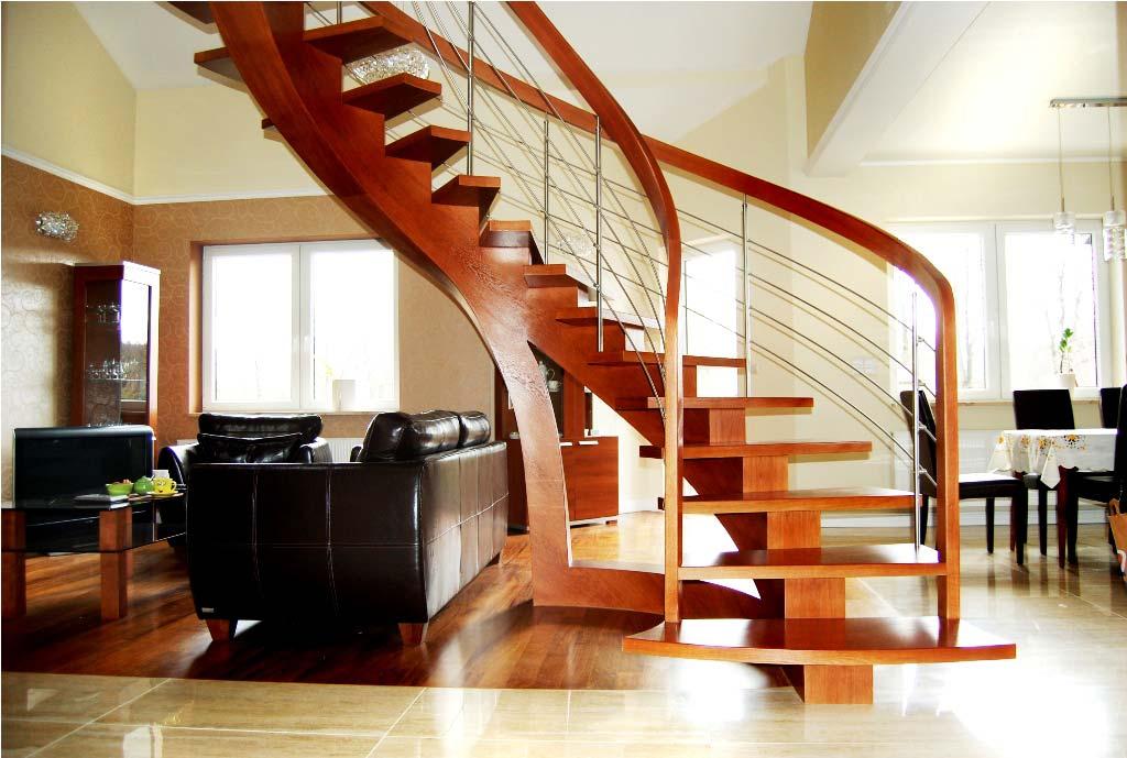 schody wewnętrzne drewniane 3