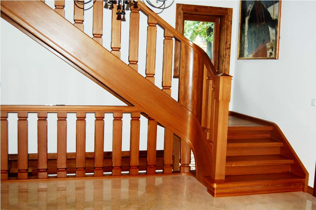 schody wewnętrzne drewniane 4