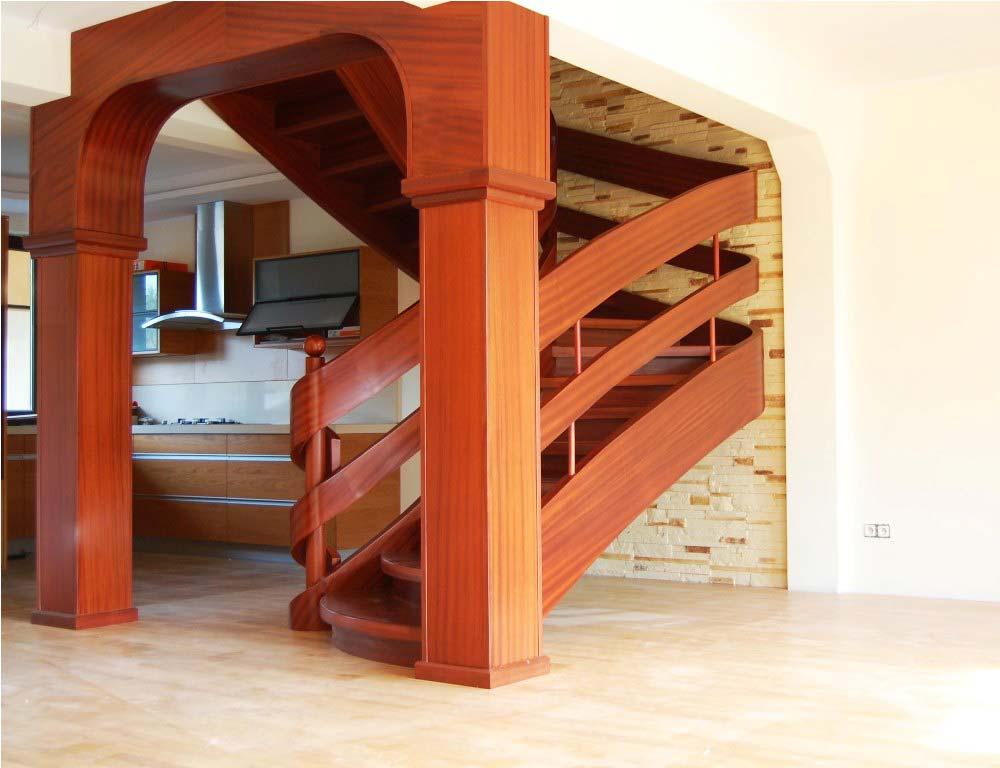 schody wstęgowe drewniane z podpórkami