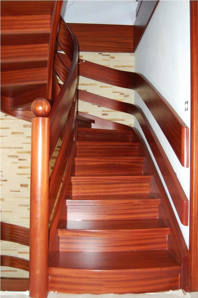 schody wstęgowe z drewna