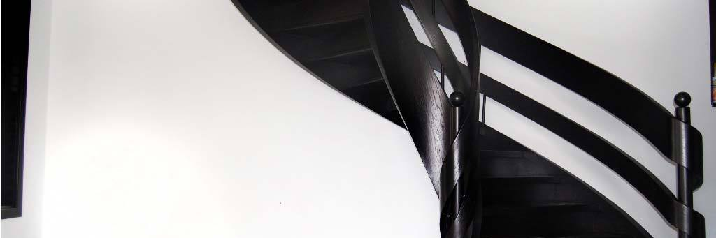 Schody wstęgowe z drewna Wenge czarne