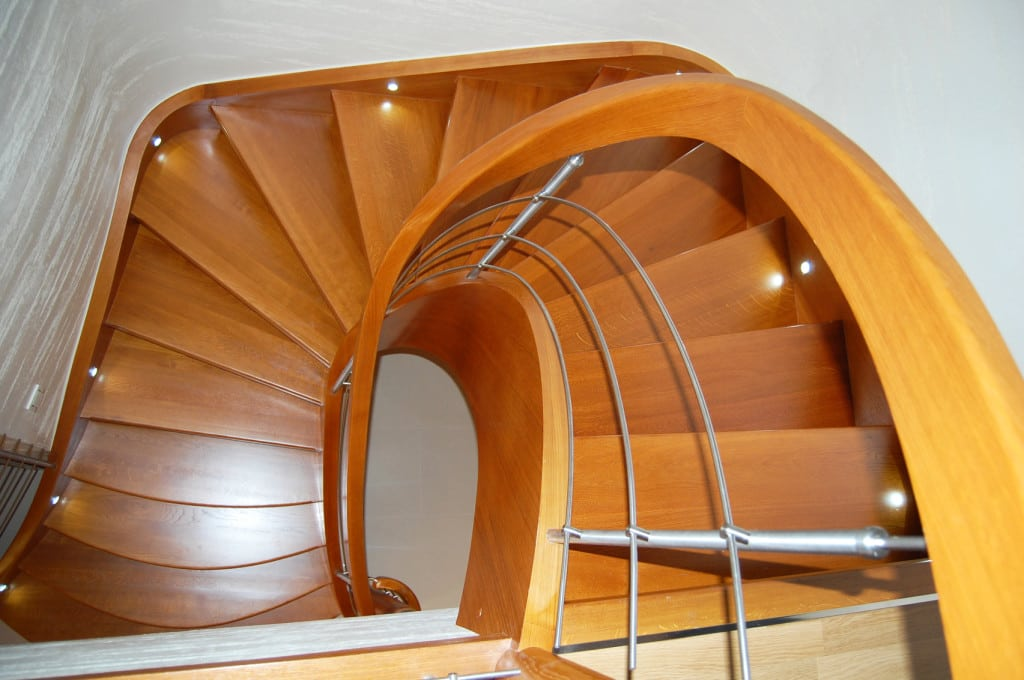 schody drewniane gięte 3