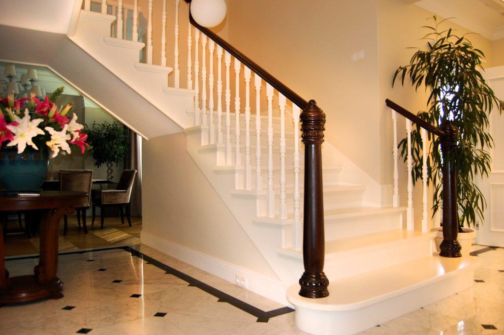 schody drewniane prudlik biale 1