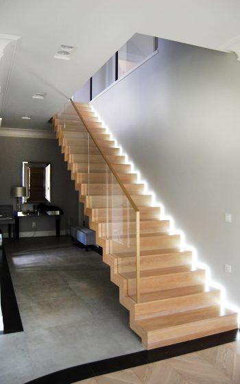 Drewno Dąb, schody dywanowe